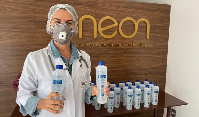 Neon Vila Velha recebe doação de álcool em gel